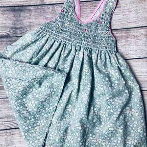 Other - Girls size 6 pale green floral smocked tank dress